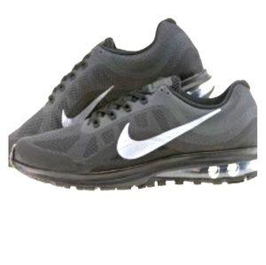 NIB Womens Nike Air Max Dynasty 2 Size 11